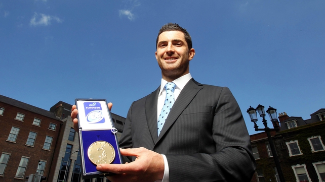 Rob Kearney pictured with his ERC European Rugby Player of the Year Award
