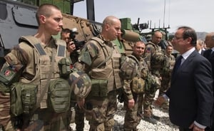 Francois Hollande meets French troops in Afghanistan