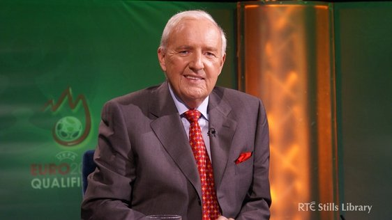 Bill O'Herlihy on the set of the Euro 2008 Qualifiers