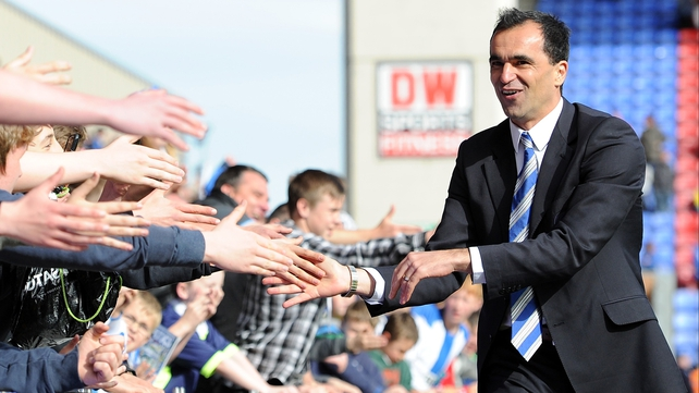 Roberto Martinez has signed a contract with Everton until 2019