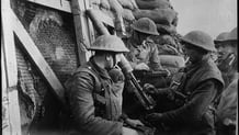 British soldiers with a Lewis machine gun Courtesy Library of Congress LC_B2_4683_6