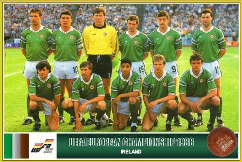 Republic of Ireland team that faced Russia in Euro '88. Back Row: Mick McCarthy, Frank Stapleton, Packie Bonner, Kevin Sheedy, John Aldridge, Anthony Galvin. Front Row: Ray Houghton, Ronnie Whelan, Chris Houghton, Chris Morris and Kevin Moran</STRO