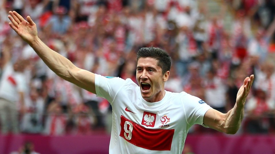 Robert Lewandowski opened the scoring for co-hosts Poland against Greece