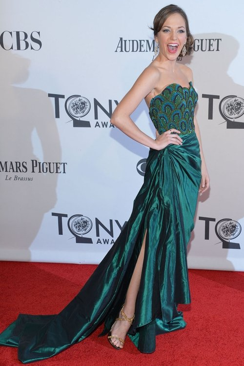 Laura Osnes didn't win on the night but looked amazing in an emerald dress with a mermaid bodice