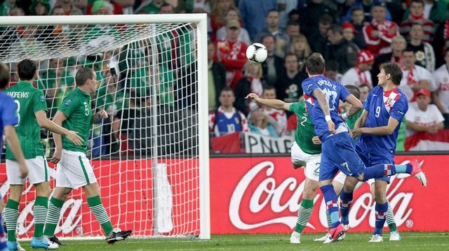 Mario Mandzukic scoring against Ireland