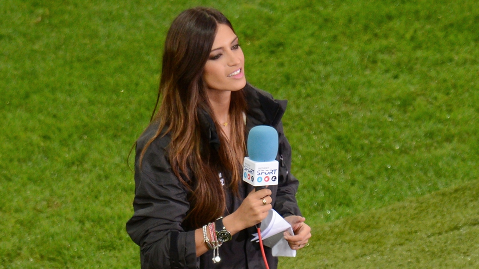She's not playing but we don't care - Casillas' reporter girlfriend