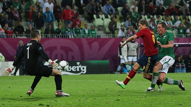 Fernando Torres puts the ball past Shay Given