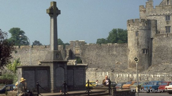 First World War memorial Cahir, County Tipperary © RTÉ Stills Library 0850/042