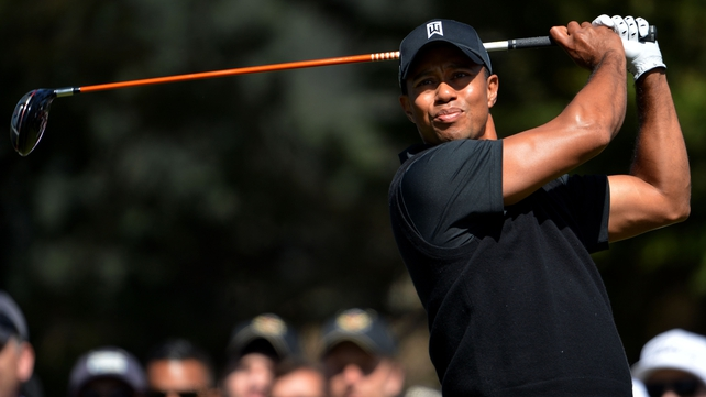 Tiger Woods shares the US Open lead