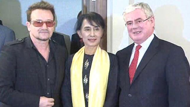Bono accompanied the Burmese pro-democracy campaigner to Dublin