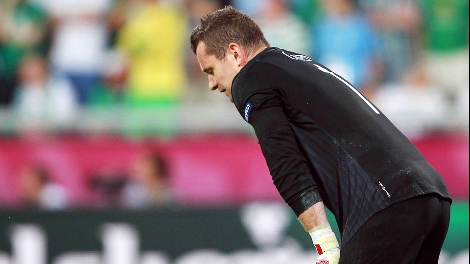 Shay Given looks how every Ireland fan feels - sick