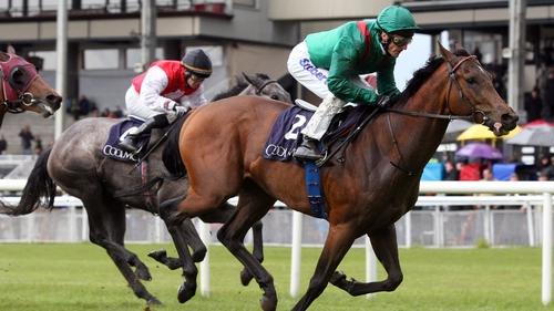 Takar winning the Tetrarch Stakes