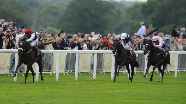 Princess Highway (L) and Pat Smullen pull clear to land the spoils