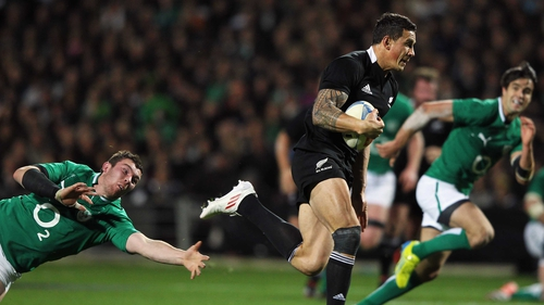 Sonny Bill Williams doing what he does