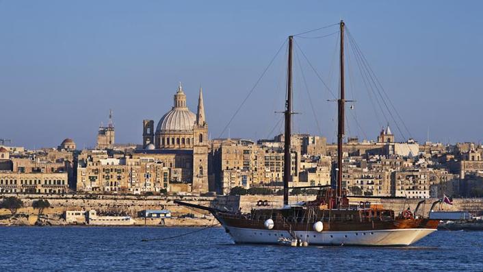 Sweden introduces border controls as Malta talks continue