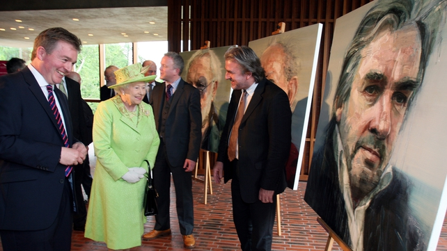 The Queen met local pianist Barry Douglas (R) and Chairman of the Lyric Theatre, Mark Carruthers