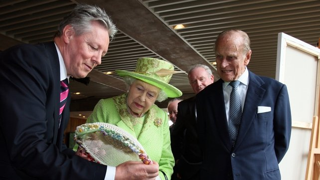 Northern Ireland First Minister Peter Robinson presented the Queen with a gift
