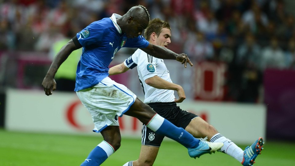 Balotelli doubled the Italian lead with a sensational finish