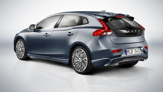 The boot holds 335 litres to the glass-line (402 max) and up to 1,032 with the rear seats down
