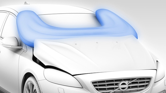 Gets some new safety gadgetry such as a pop-up bonnet with pedestrian airbag