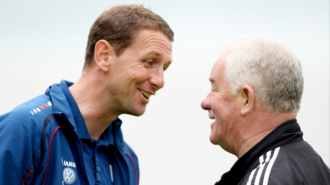 Ian Baraclough and Pat Devlin have a chat before the game