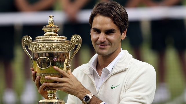 If Roger Federer can defend his Wimbledon title, he'll be in for a big prize boost