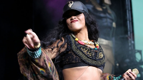 Rihanna rocks out at last night's Wireless gig