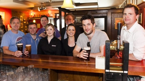Cast members from Fair City launch Dooliner Bar at Hotel Doolin. Also pictured is hotelier John Burke (right) and staff of Hotel Doolin. Image David Olsthoorn.