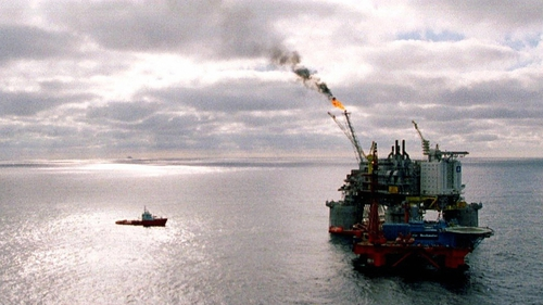 Hundreds of workers on Norwegian offshore oil and gas rigs went on strike today