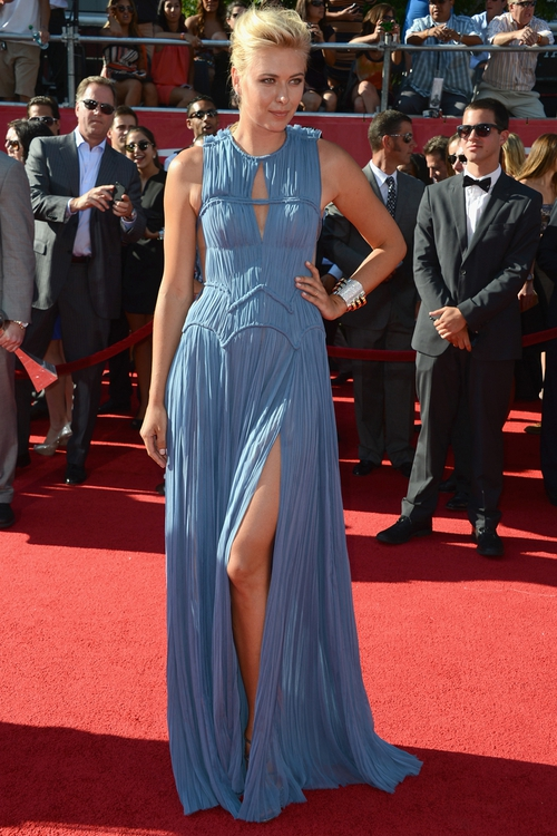 Maria Sharapova shone at the ESPY Awards earlier this week in this Romantic J. Medel Resort 2013 dress in blue. To pull of this slip of a dress you need height and impeccable legs for days, both of which the tennis star has. Beautiful.
