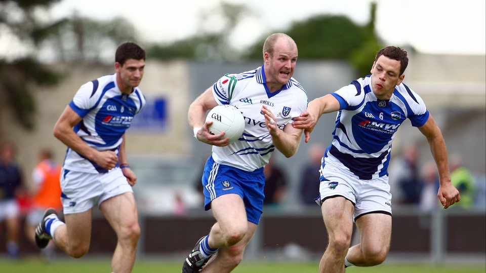 Monaghan midfielder Dick Clerkin attempts to pass John O'Loughlin of Laois