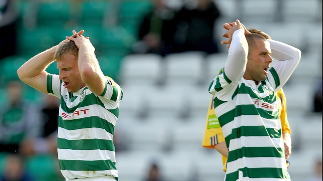 Shamrock Rovers' Daryl Kavanagh (l) and Chris Turner react to a missed chance