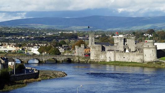 Phil Ní Dhubhghail, Iarphríomhoide i Scoil Náisiúnta na Tulaigh.