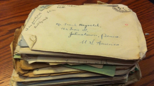 The pile of letters sent from Breda to Frank