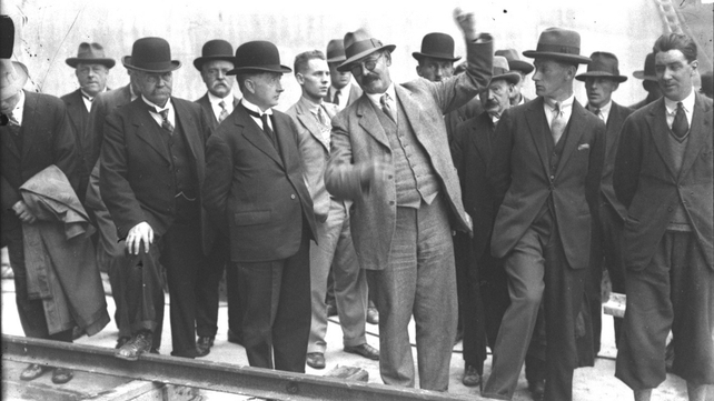 Liam Cosgrave inspects work on the Shannon Scheme in the 1920s (Pic: RTÉ Stills Library)