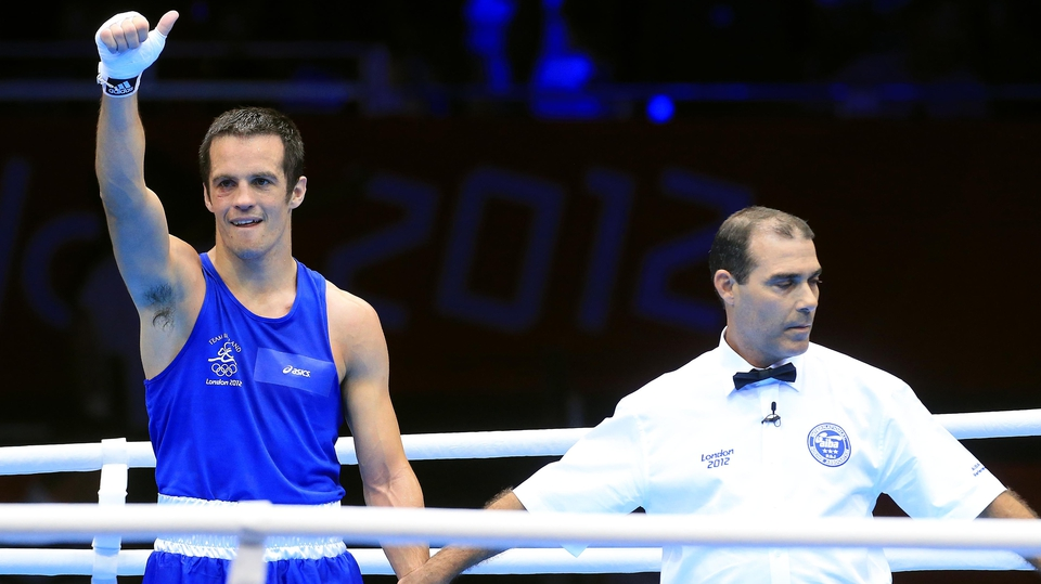 Day 1: Darren O'Neill saw off Nigeria's Mudeen Akanji on a score of 15-6 in the middleweight round of 32
