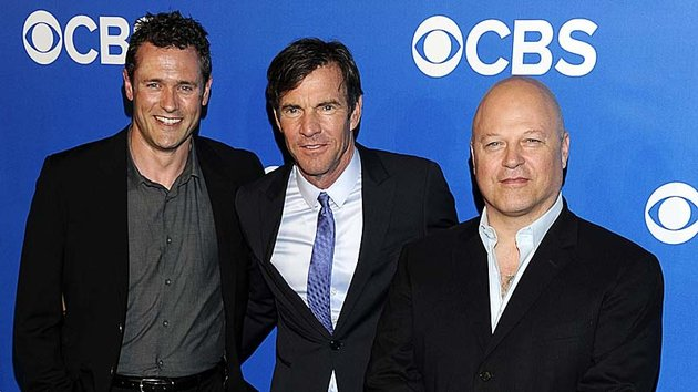 Jason O'Mara with Vegas co-stars Dennis Quaid and Michael Chiklis