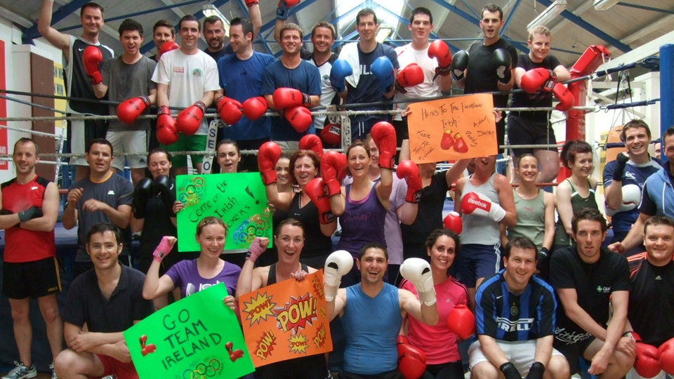 Whitecollar Boxing show their support for Katie and the lads heading to London