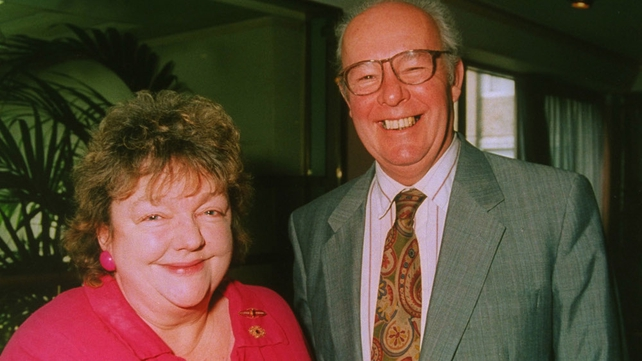 Maeve Binchy with her husband Gordon Snell in 1992 (Pic: RTÉ Stills Library)