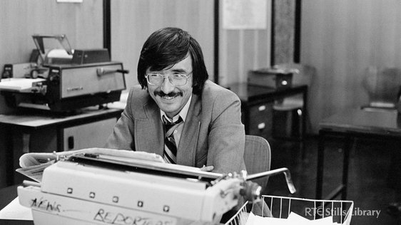 Former RTÉ News reporter Ronnie Turner in the RTÉ Newsroom in August 1975.