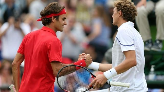 Roger Federer saw off Denis Istomin in straight sets