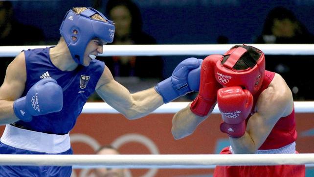 Darren O'Neill was beaten in his fight with Stefan Hartel