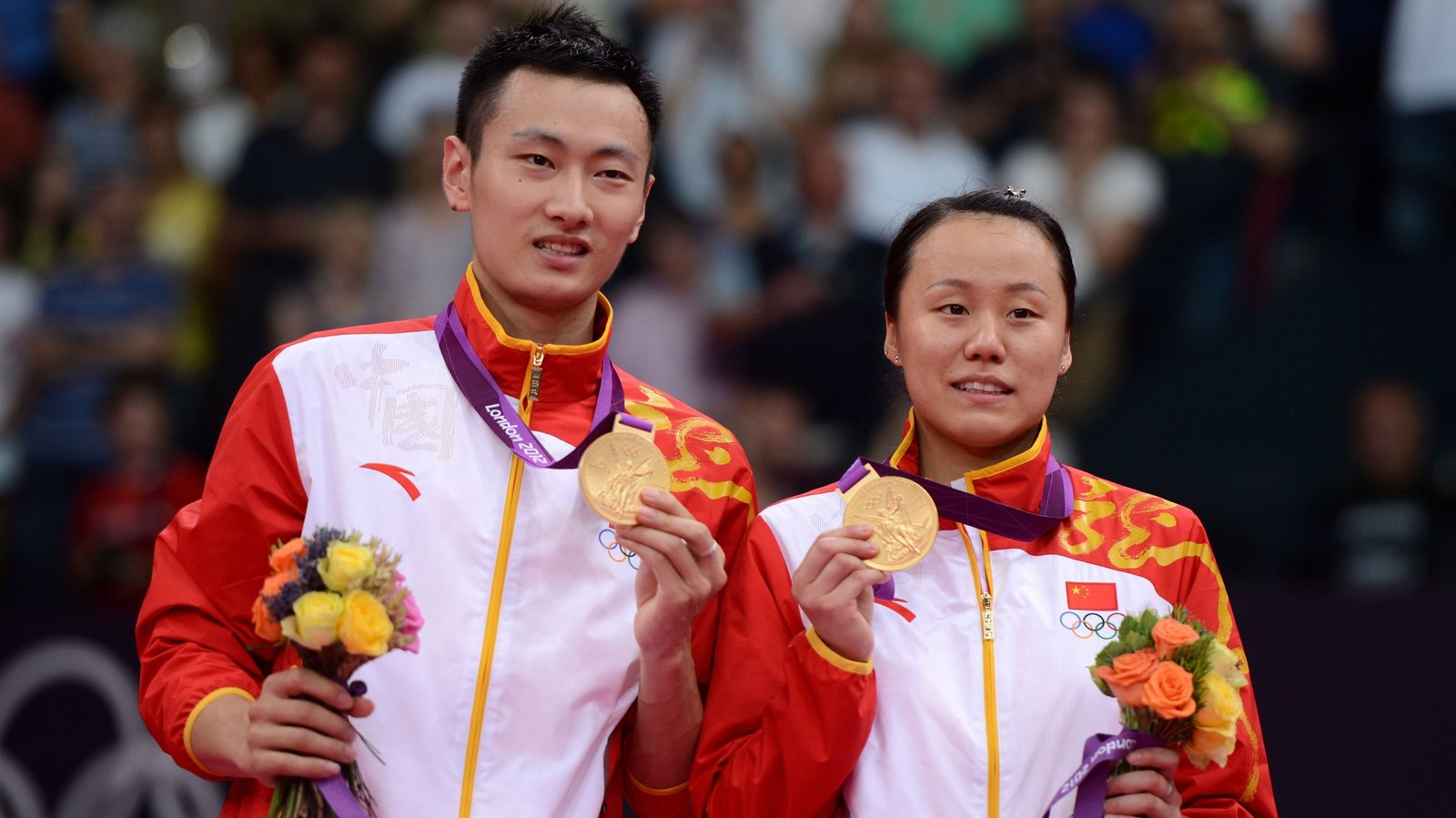 Badminton China win mixed doubles gold & silver