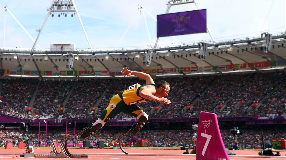 Blade Runner - South African Oscar Pistorius on his way to qualifying for the semi-finals of the men's 400 metres