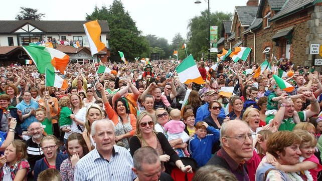 Up to 4,000 people gathered in Bray today to watch Katie Taylor fight