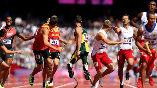 Oscar Pistorius will compete in the 4x400m relay final for South Africa