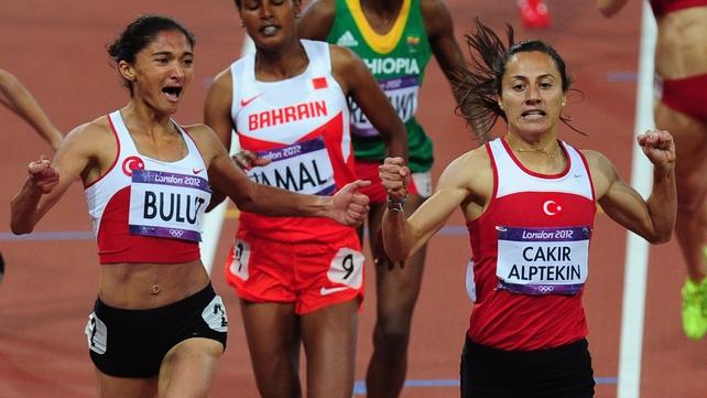 Asli Cakir Alptekin (R) and Gamze Bulut (L) claims a Turkish one-two