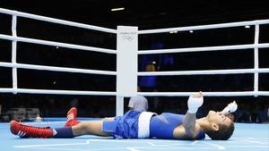 Robeisy Ramirez Carrazana celebrates victory over Tugstsogt Nyambayar