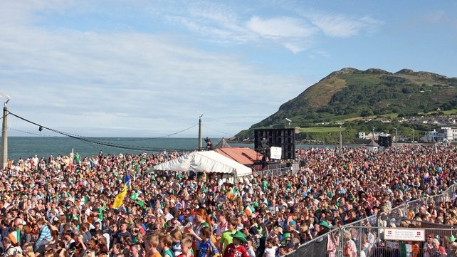 An estimated 20,000 people greeted Taylor in Bray