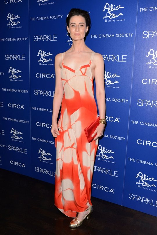 Erin O'Connor always looks statuesque, elegant and confident, just in the way she stands, which makes anything she wears look stylish and suited to her. Love.